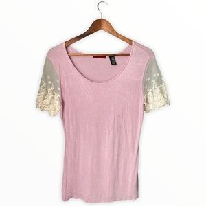 BKEred | Blush Lace Sleeve Scoop Neck Casual Tee M